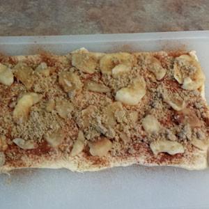 apple, cinnamon, and sugar on crescent rolls